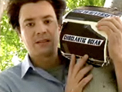 VIDEO: Jimmy Fallon Gets a Snicker With His R-Pattz Impression