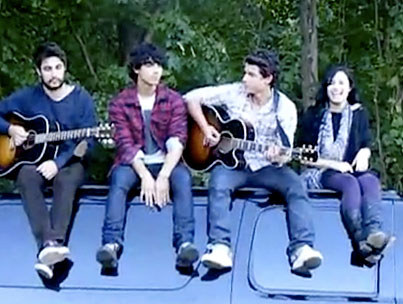 VIDEO: Jonas Brothers And Demi Lovato Surprise Fans