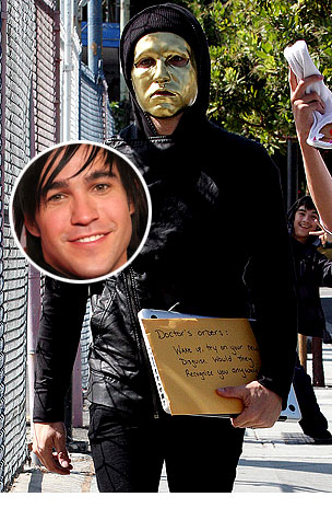 PHOTO GALLERY: Pete Wentz is a Masked Man