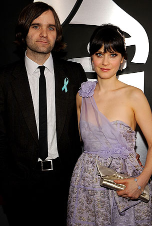 Zooey Deschanel Gets Married!