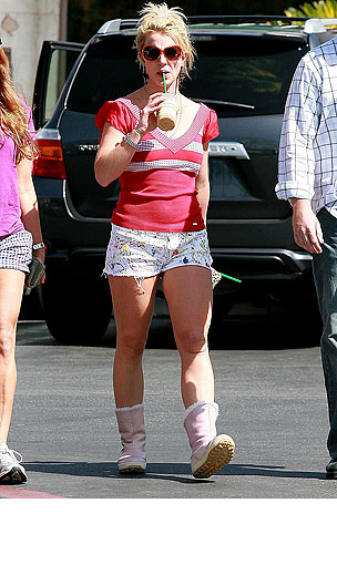 PHOTO GALLERY: Britney Spears Coffee Run
