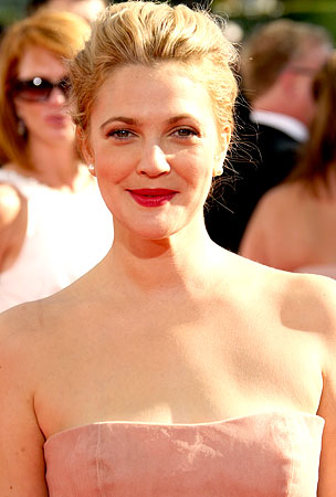 Drew Barrymore Has Issues With her Mommy