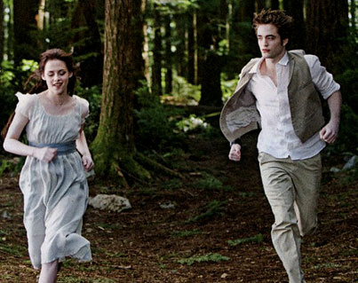 New 'New Moon' Stills: Edward and Bella Make a Run for It