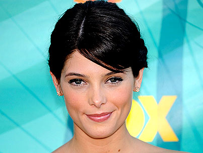 Ashley Greene Says Things Got Intimate on the New Moon Set