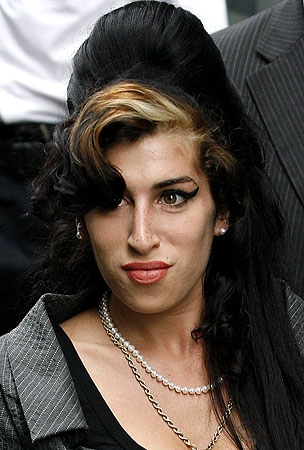 VIDEO: Amy Winehouse Is a Rapper, Now