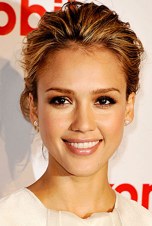 Jessica Alba Is Getting All Fockered Up