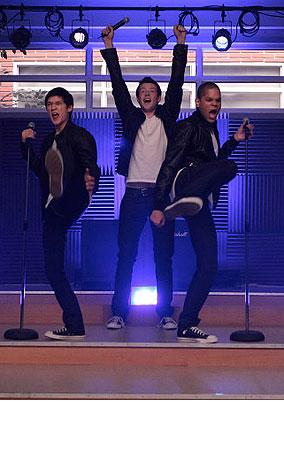 PHOTO GALLERY: Sneak Gleek at This Week's Episode of Glee