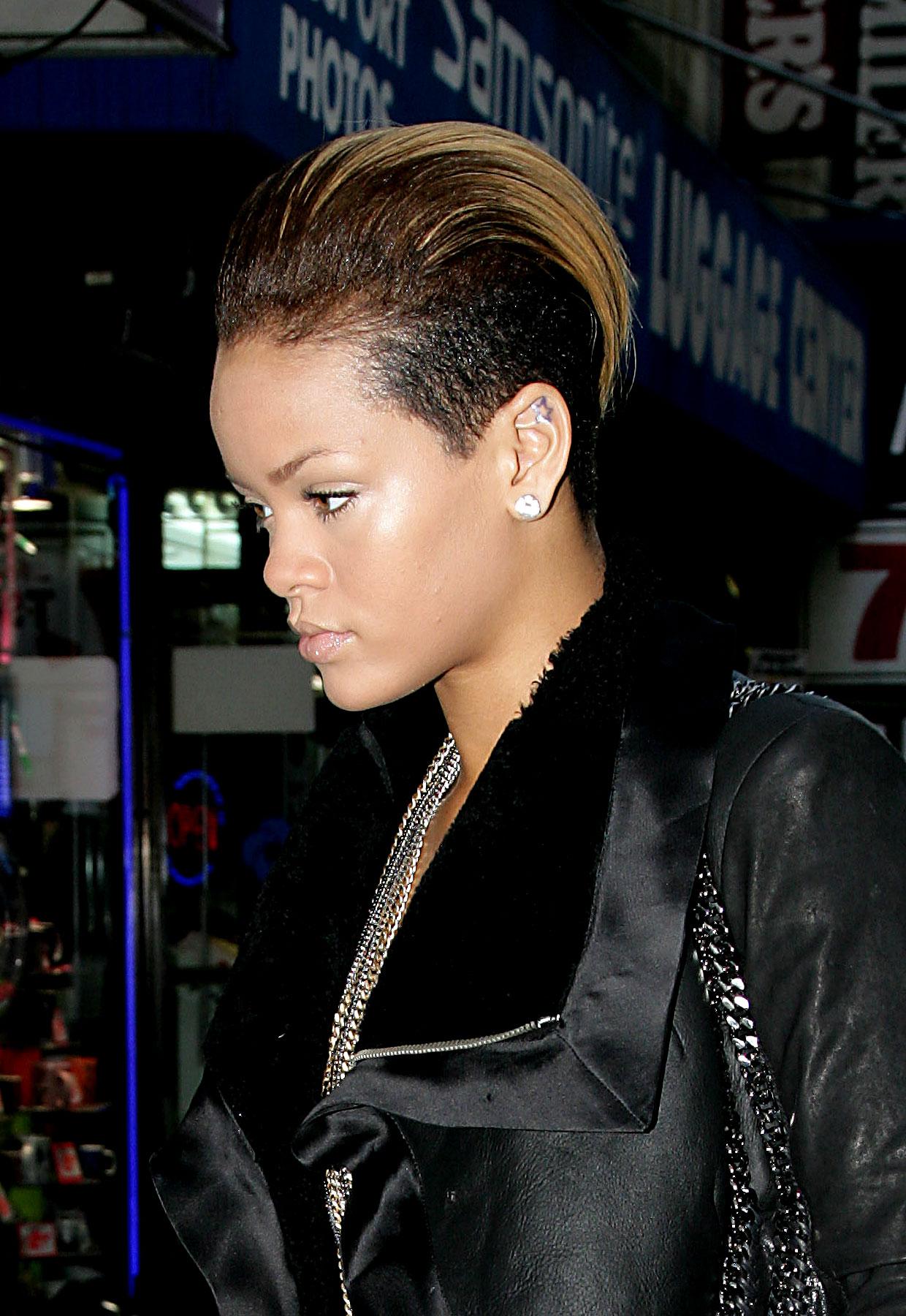 PHOTO GALLERY: Rihanna's New Do