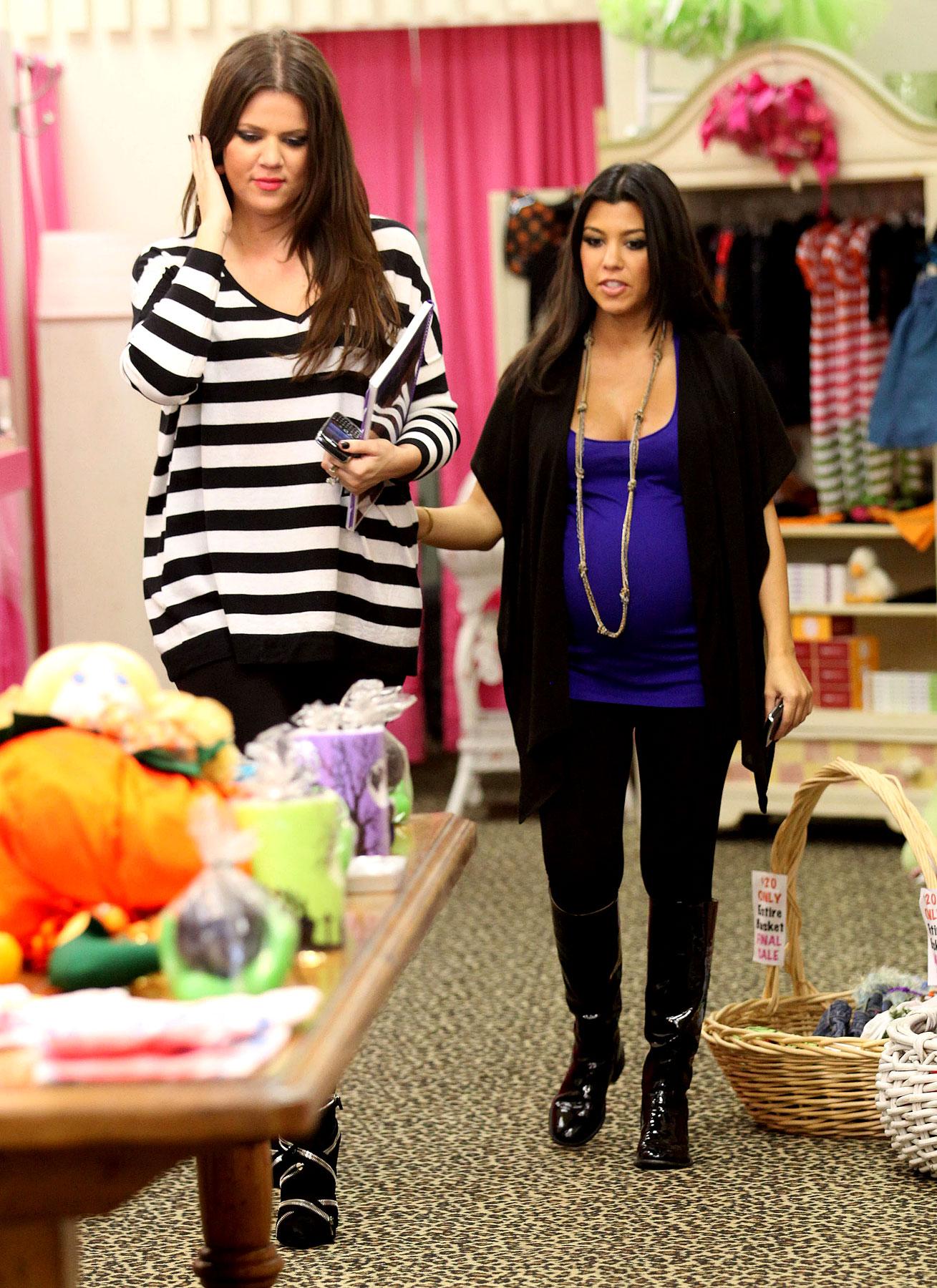PHOTO GALLERY: Khloe & Kourtney Keep Shop