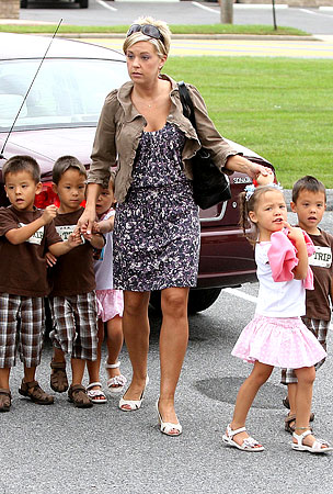 Kate Gosselin Says The Kids Are Beginning to Crack