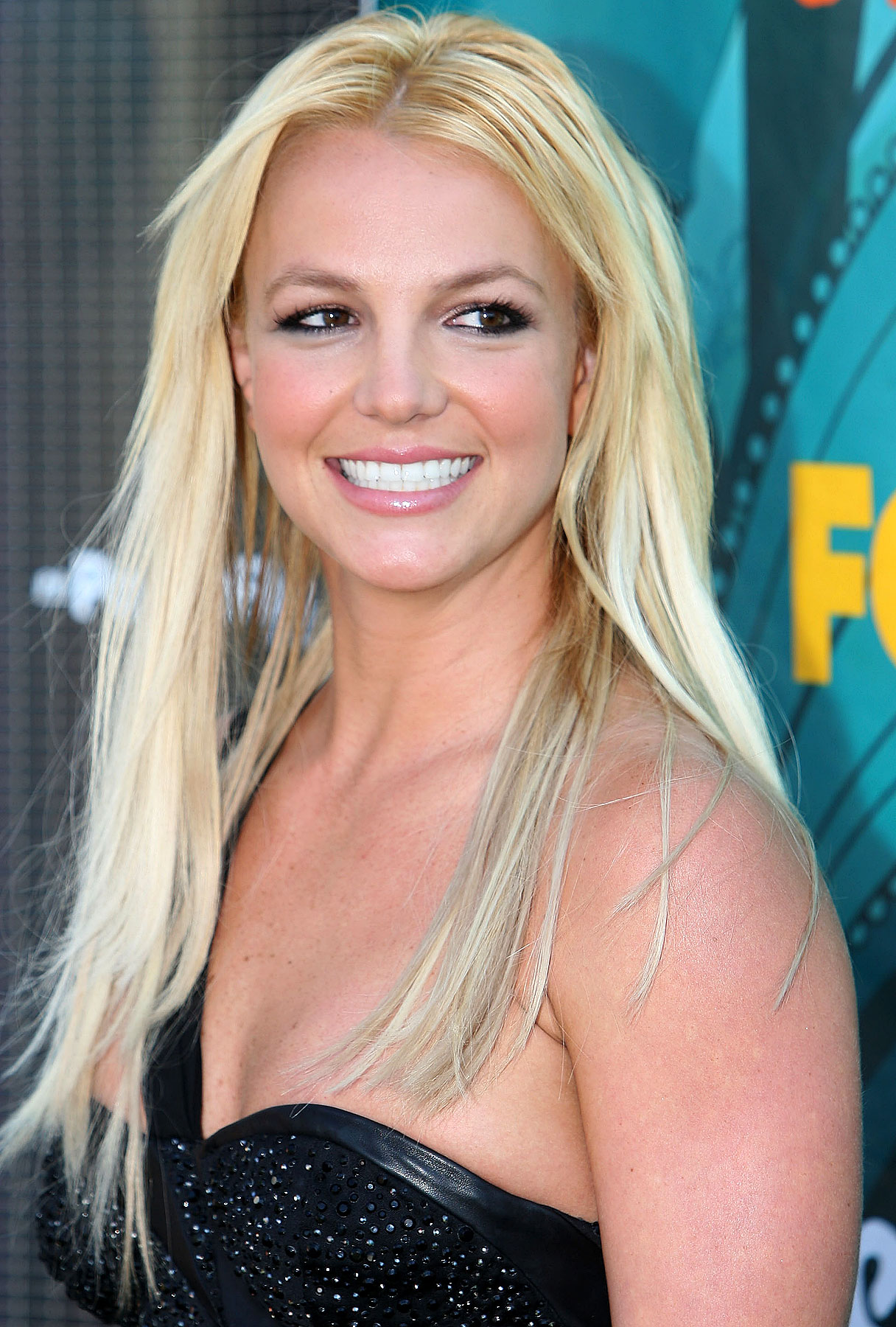 Britney Spears Settles in Paparazzi Foot-Squishing Case