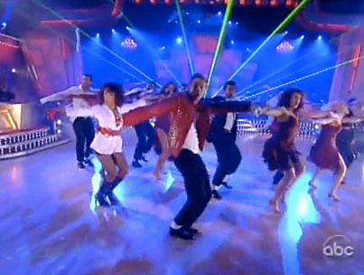 VIDEO: Dancing With the Stars Pays Tribute to Michael Jackson