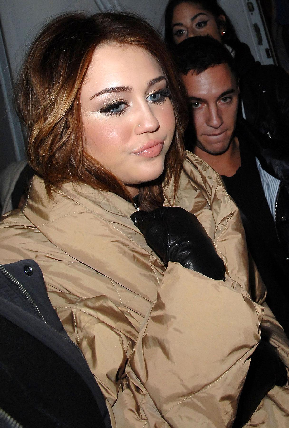 Miley Cyrus Swears She Doesn't Miss Twitter
