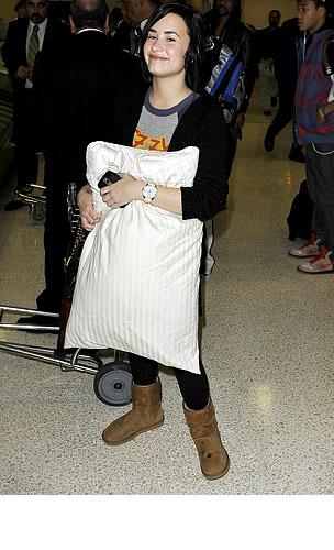 PHOTO GALLERY: Demi Lovato Has Pillow, Will Travel