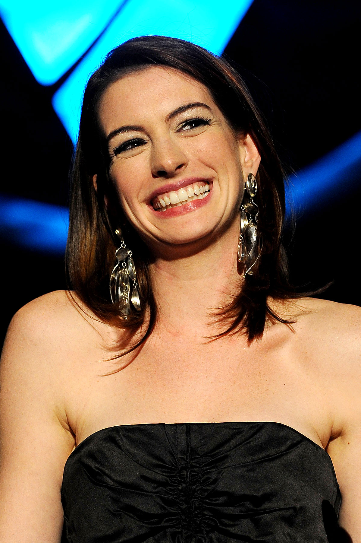 PHOTO GALLERY: Anne Hathaway Has 'Empire State Pride'