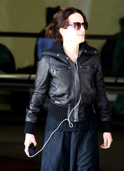 PHOTO GALLERY: Twilight's Elizabeth Reaser is Back in LA