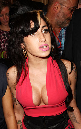 PHOTO GALLERY: Amy Winehouse: Baby Got Rack!