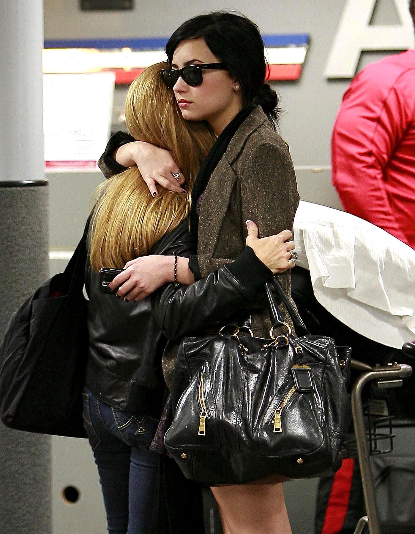 PHOTO GALLERY: Demi Lovato's Airport Goodbye