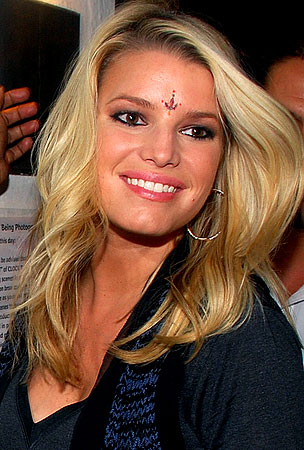 Jessica Simpson Wants to Date a Wise Guy