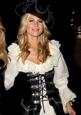 PHOTO GALLERY: Julianne Hough Is a Buccaneer Beauty