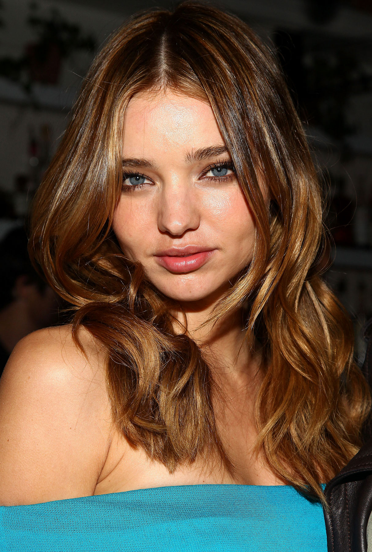 BUZZ LINKS: Miranda Kerr Is a Flashy Little Lady
