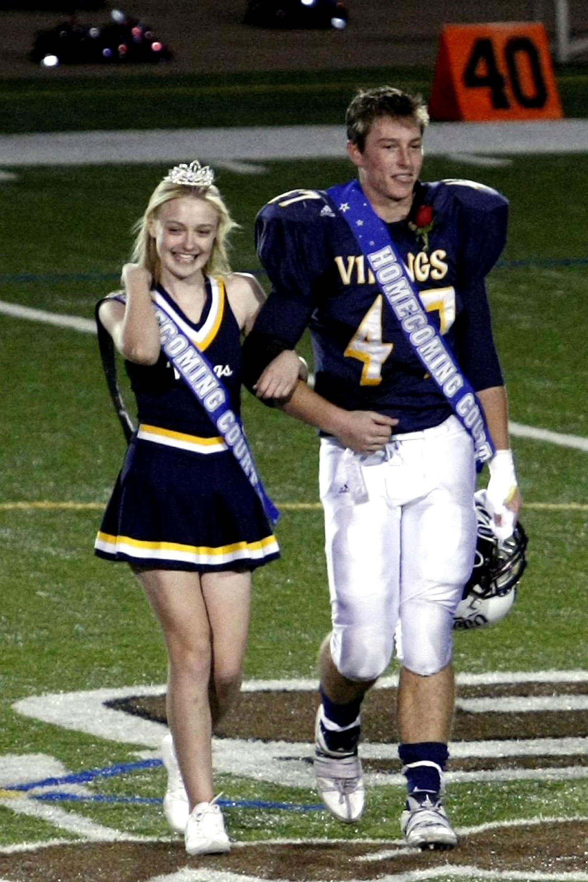 PHOTO GALLERY: Dakota Fanning is Homecoming Princess