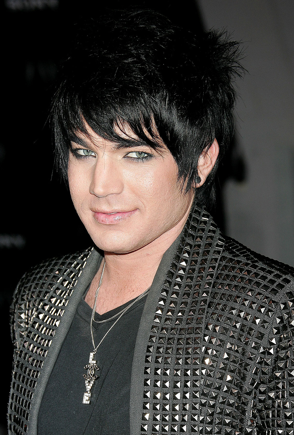Adam Lambert: Single and Loving It