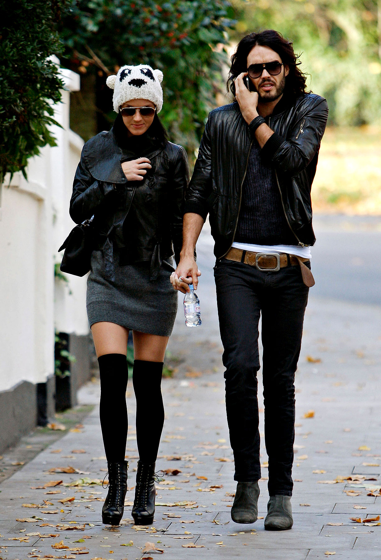 PHOTO GALLERY: Katy Perry & Russell Brand Stroll London