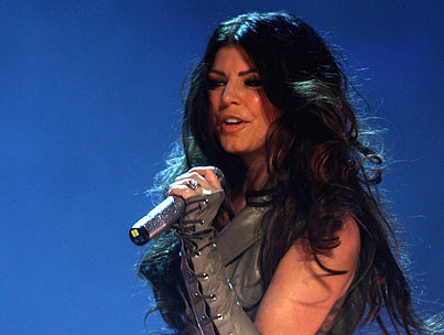 BUZZ LINKS: Fergie Is Done With the Ladies