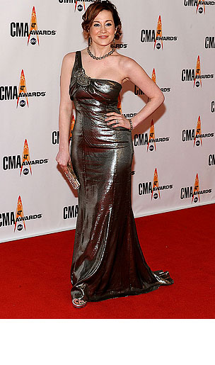 PHOTO GALLERY: Kellie Pickler, The Redhead?