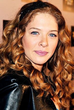 "Rachelle LeFevre ""Too Emotional"" To Attend New Moon Premiere"