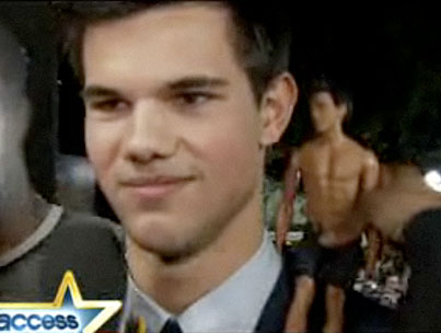 Taylor Lautner Gets All Dolled Up at the New Moon Premiere
