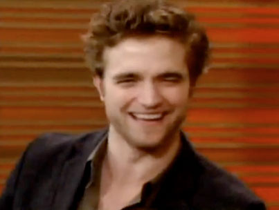 VIDEO: Robert Pattinson Charms On Regis and Kelly