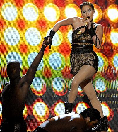 VIDEO: Jennifer Lopez Takes A Tumble