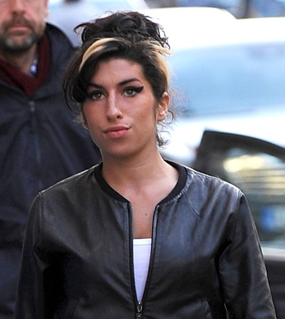 Amy Winehouse Wants to Party With R-Pattz; Celebrity Death Pool Ramps Up the Odds-Making Machine