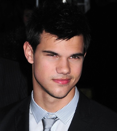 Taylor Lautner's Abs to Host Saturday Night Live