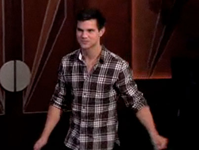 VIDEO: Taylor Lautner Loves Grapes In His Mouth