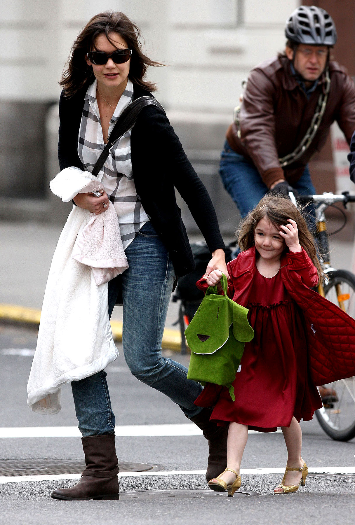 Katie Holmes: A Shoe-in For Worst Mother Award?