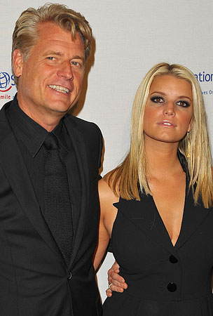 BUZZINGS: Joe Simpson Is Totally Proud of His Thoroughly Adequate Daughters