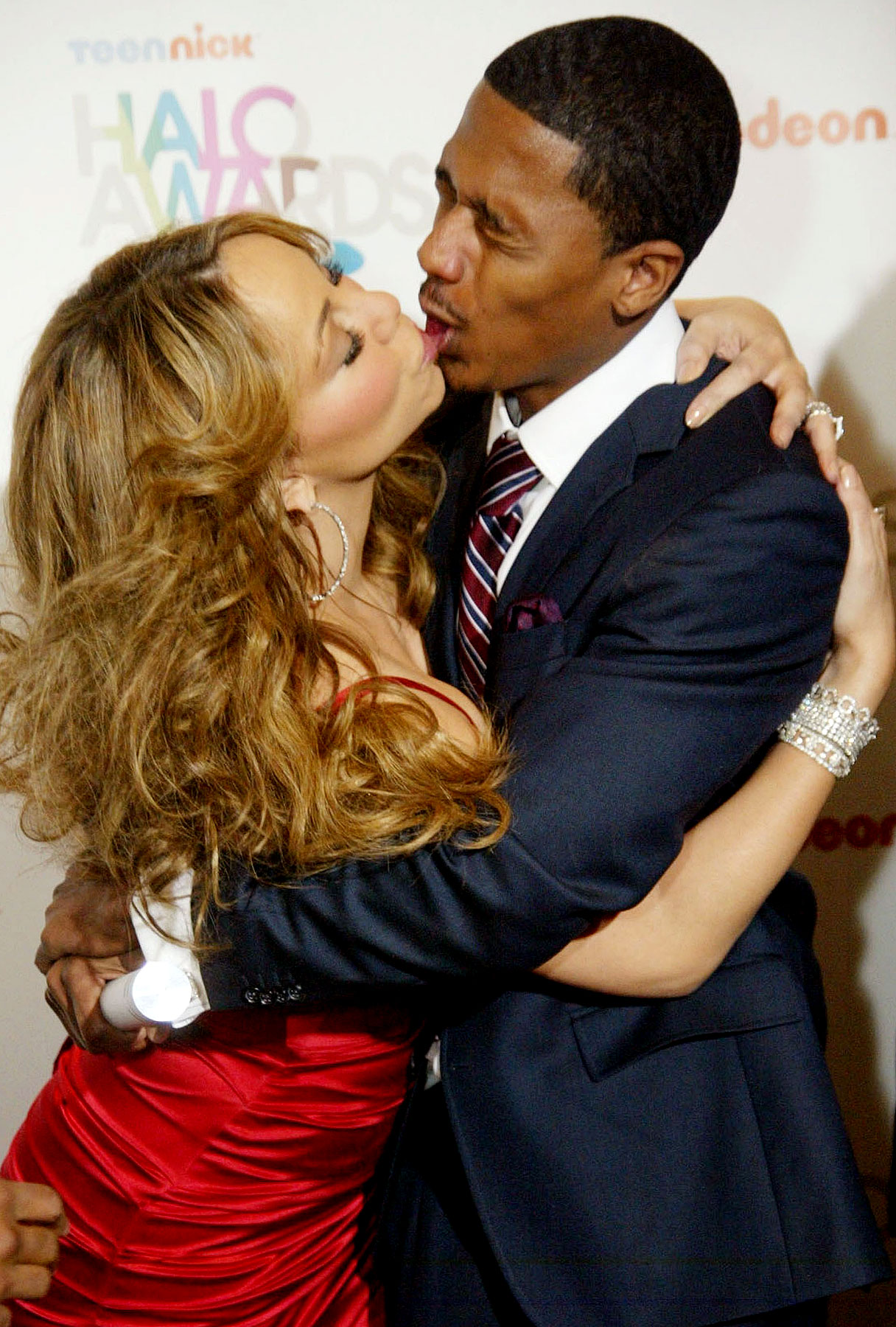 Nick and Mariah's Infinite Fake-Kiss (PHOTOS)