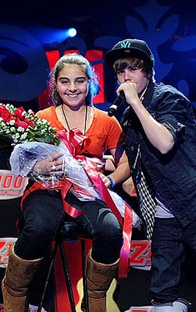 Justin Bieber Performs at Jingle Ball (PHOTOS)