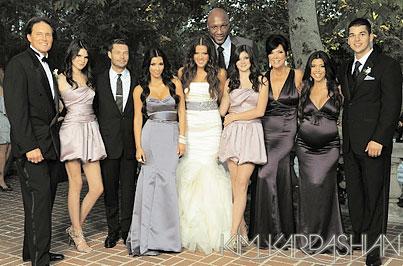 Kim and Khloe Kardashian Are Really Into Khristmas (PHOTOS)