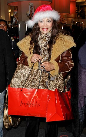 Guess What's In The Celebrity Xmas Shopping Bag (PHOTOS)