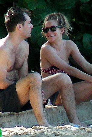 Jude Law & Sienna Miller Bikini In Barbados (PHOTOS)