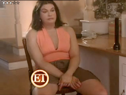 Teri Hatcher Wears Fat Suit. Oh Man! (VIDEO)