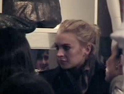 Lindsay Lohan Shops, World Grinds to a Halt (VIDEO)