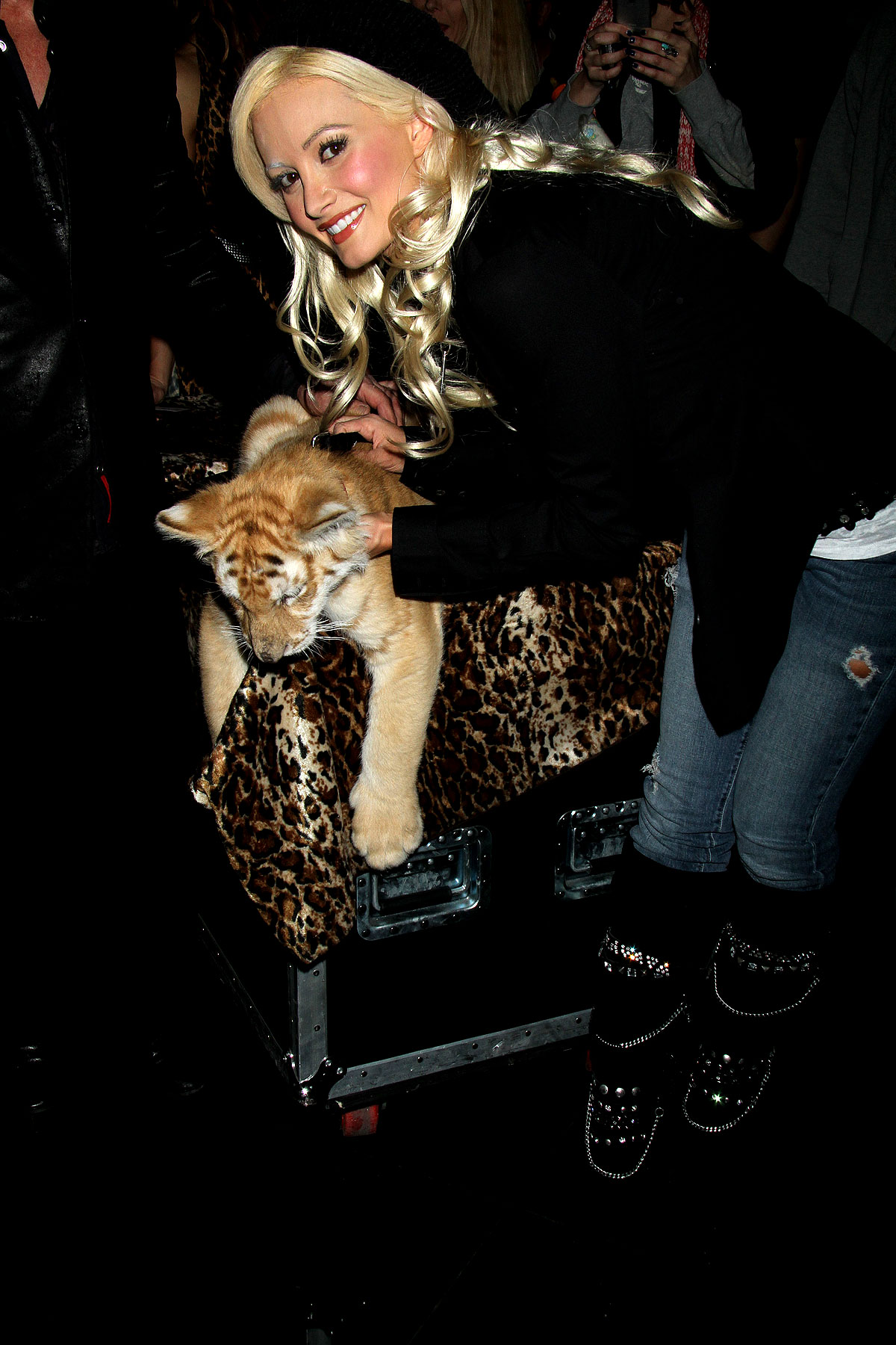 Holly Madison with a Baby Tiger (PHOTOS)
