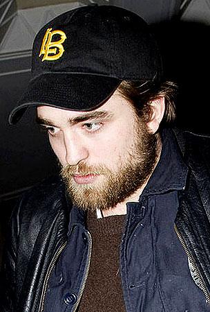 Robert Pattinson Grows A Hot Manly Man Beard For Haiti (PHOTOS)