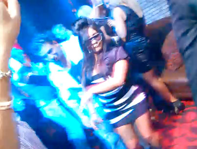 Snooki Dances, Falls Down, Is Basically A Spray-Tanned Clown (VIDEO)