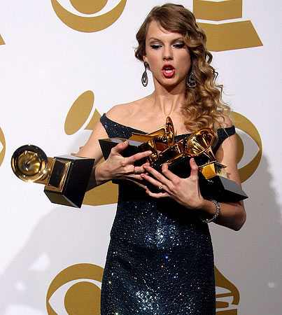 BUZZINGS: Taylor Swift's Fame Is Causing Her to Lose Her Grip
